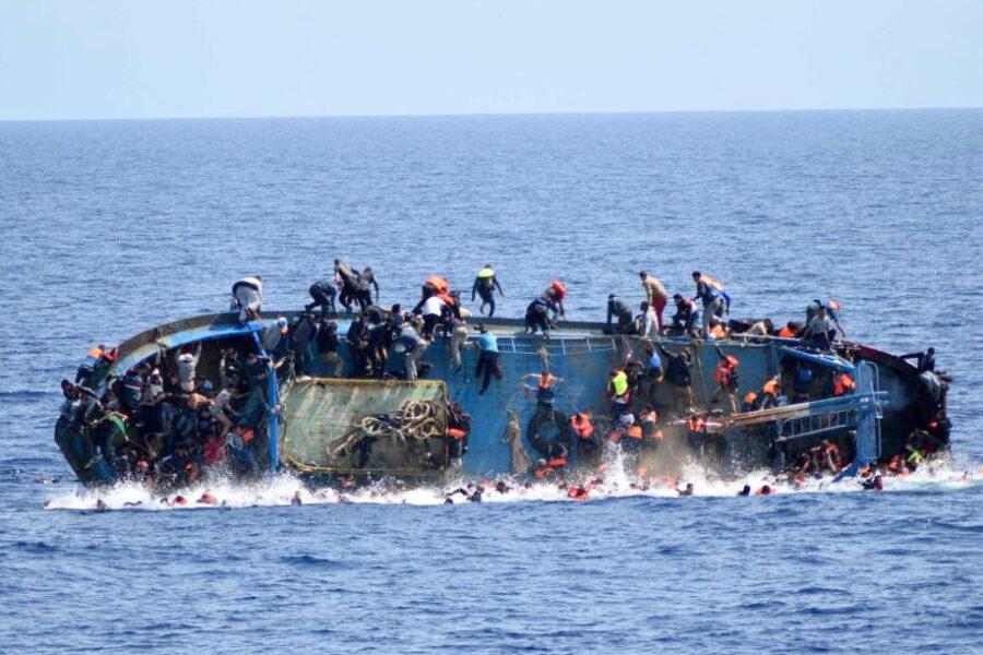 La strage nel Mediterraneo è voluta dai governi europei: così pensano di fermare l'immigrazione
