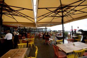 Dove mangiare all'aperto a Napoli in zona gialla: l'elenco dei ristoranti