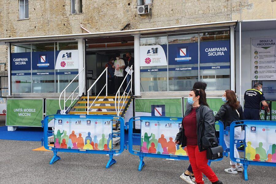 """Vaccini a domicilio, arriva il 'truck mobile' al rione Sanità: """"Così siamo più vicini ai cittadini"""""""