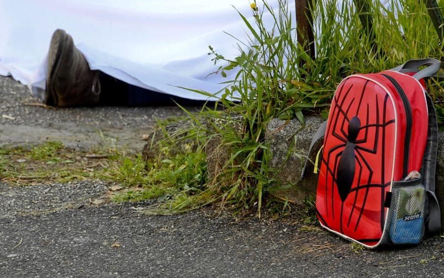 Napoli, San Giovanni ripiomba nel terrore: spari fuori la scuola dove avvenne l'omicidio dello zainetto