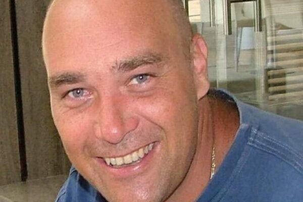 """Papà ucciso a coltellate, i due fidanzati confessano: """"Volevano sterminare tutta la famiglia"""""""