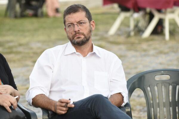 """""""Da due mesi non riesco a seppellire mio figlio Dario, Raggi vergognati"""", lo sfogo e il dramma del deputato Andrea Romano"""