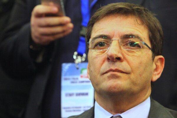 """""""Volevamo uccidere Cosentino"""", Nicola Schiavone rivela il piano contro l'ex sottosegretario che non si piegava al clan"""