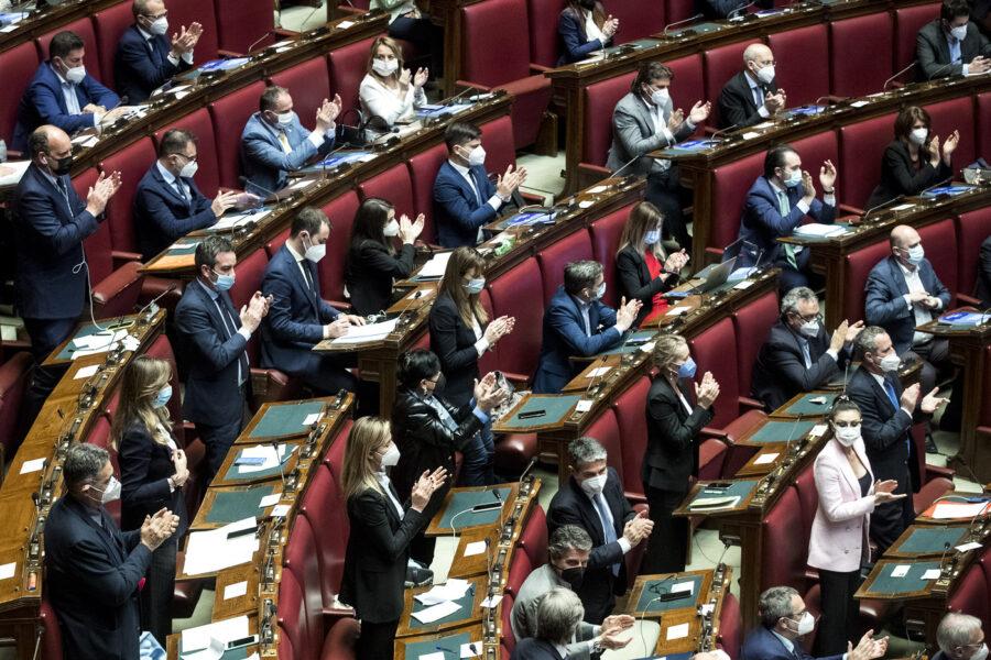 La Lega si spacca: applaude Draghi e volta le spalle agli spot di Salvini
