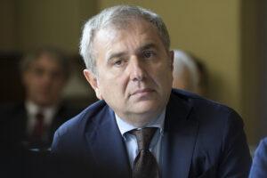 Magistrati in fuga dall'Anm per sfuggire alle sanzioni, Articolo 101 chiede dimissioni di Santalucia