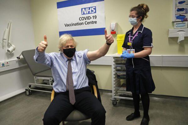 Regno Unito, due test rapidi gratis a settimana: il piano di prevenzione del governo Johnson