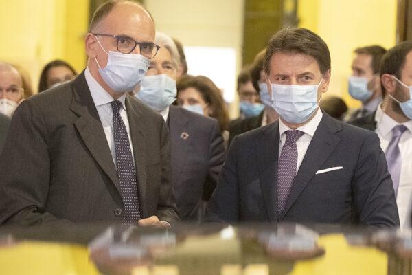 Letta e Conte si giurano amore eterno, ha vinto Grillo