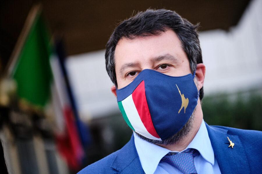 Salvini 'forcaiolo' contro il vaccino ai detenuti del Lazio, ma dimentica che nella 'sua' Lombardia accade da marzo