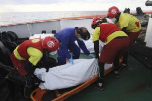 Nel Mediterraneo ennesima strage annunciata di migranti: 130 morti al largo della Libia