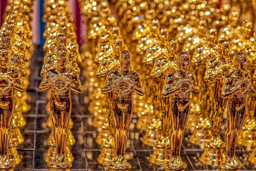 """Premi Oscar 2021, tutti i film candidati: l'Italia tifa per """"Pinocchio"""" e Laura Pausini"""