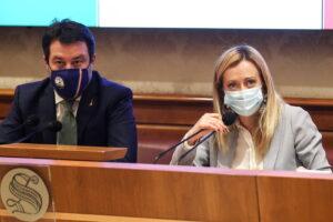 Copasir, è rissa tra Meloni e Salvini: la Lega non molla la poltrona, protesta FdI
