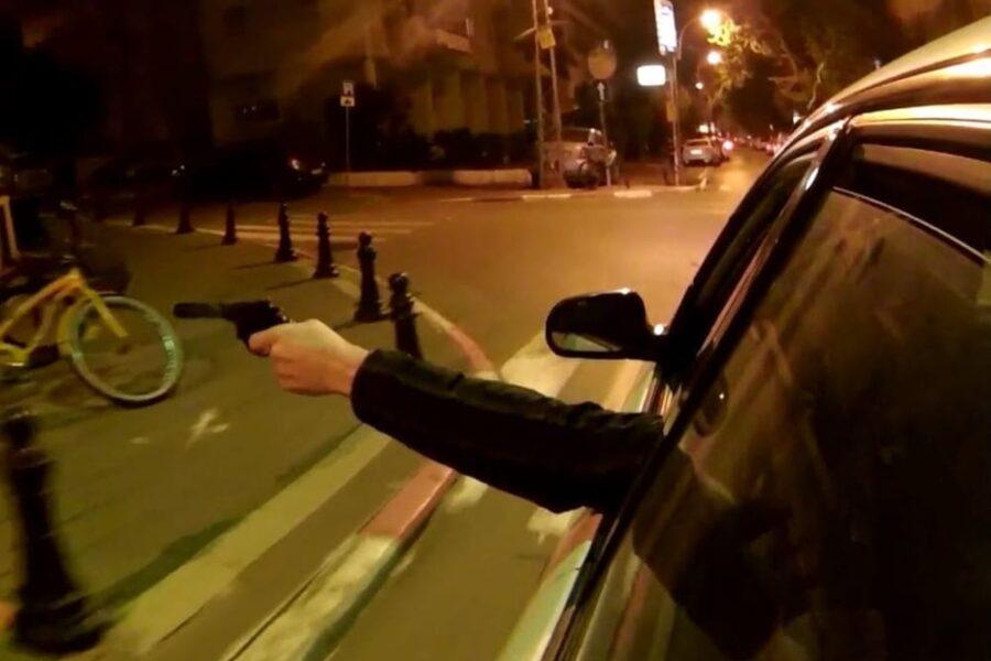 Far west a Napoli, spari tra auto e terrore tra i residenti: notte di follia