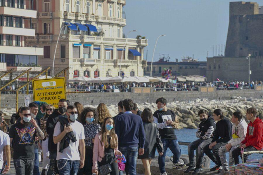 Campania verso la zona Gialla, dal 26 aprile riaprono bar e ristoranti all'aperto anche a cena