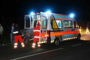 Schianto tra auto, muore bimba di 4 anni: madre grave in ospedale