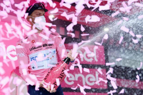 Chi è Alessandro De Marchi, la Maglia Rosa che corre il Giro d'Italia anche per Giulio Regeni