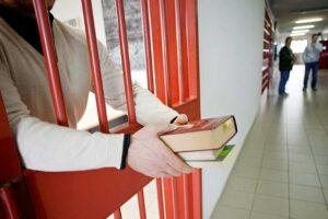 Formazione in cella, in Campania è boom di detenuti-studenti