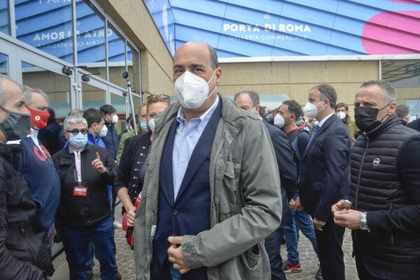 Inaugurazione del nuovo hub vaccinale Porte di Roma nella foto Nicola Zingaretti