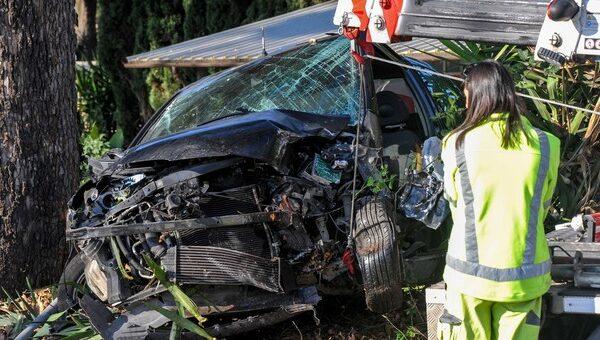 Si ribalta e muore schiacciato dall'auto: perde la vita a 26 anni a Ostia