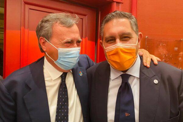 Toti e Brugnaro lanciano Coraggio Italia: strappo con Berlusconi che perde 12 deputati