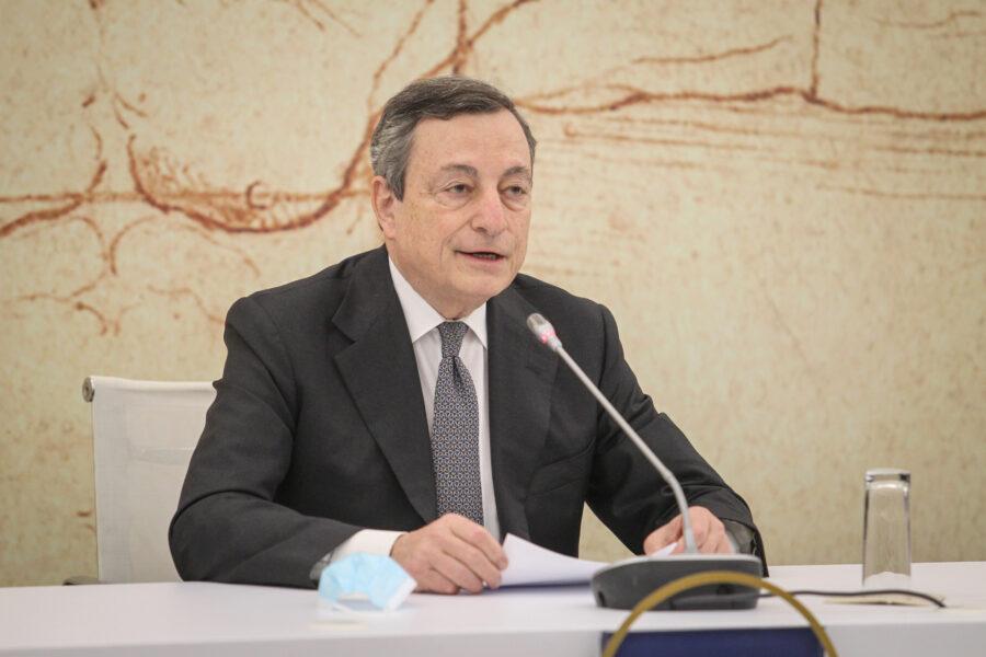 Opere pubbliche, Draghi dà un taglio alla burocrazia