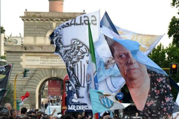 Assembramenti e scontri a Ponte Milvio: fermati 23 tifosi laziali