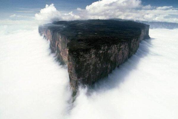 Il segreto del Monte Roraima: la vetta più misteriosa e inesplorata del mondo