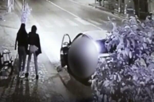 Spaventa e rapina due ragazzine, carabiniere vede tutto dalla finestra e lo fa arrestare