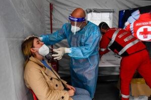 Coronavirus, per la prima volta dalla seconda ondata meno di 500 persone in tin: 52 morti