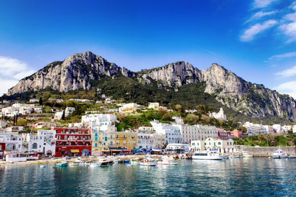 Le star mondiali scelgono Capri per le loro vacanze perché isola Covid free