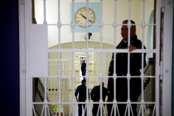 Vaccini in carcere, in Campania vaccinati il 74% dei detenuti