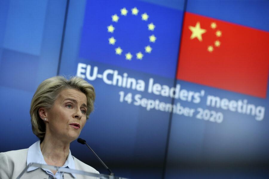 Europa contro Cina, salta accordo sugli investimenti