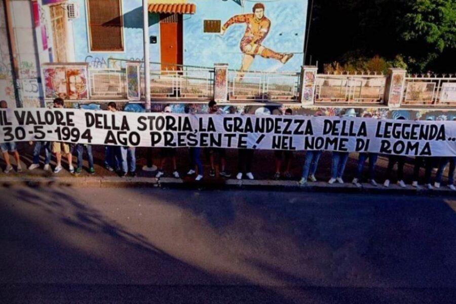 Lo striscione per Agostino Di Bartolomei