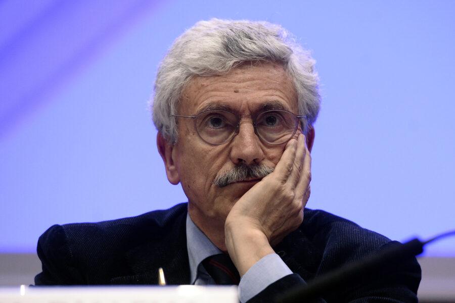"""La Fondazione dei socialisti europei accusa D'Alema: """"Deve restituire 500mila euro"""""""