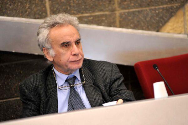 """""""M5S è un cancro, dopo de Magistris in città serve la vera politica"""", intervista a Biagio de Giovanni"""