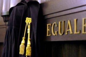 Più garantismo anche per i giudici: la direttiva europea contro la fuga di notizie