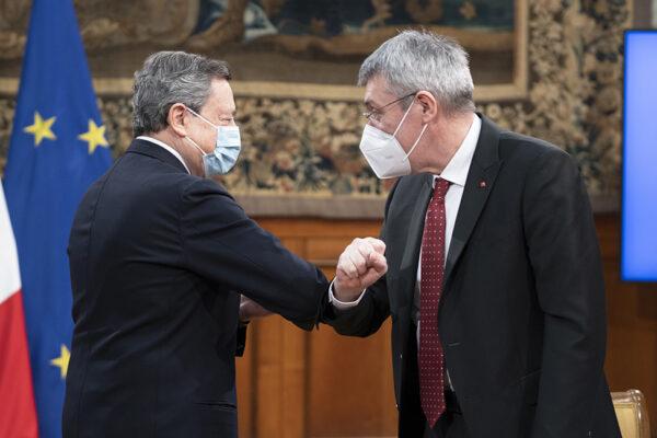 Blocco dei licenziamenti, tra Draghi e Landini prosegue lo scontro
