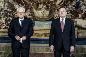 Draghi saldo al governo, per il Quirinale si va verso un Mattarella bis