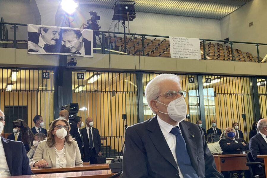"""Capaci, Mattarella celebra Falcone e colpisce magistratura: """"Divisioni delle toghe minano la Giustizia"""""""