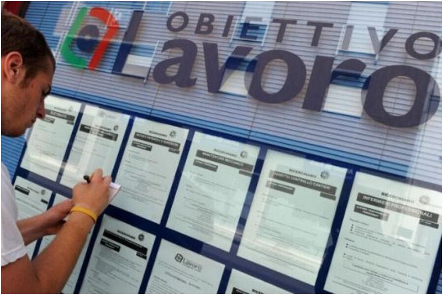 """Licenziamenti, 70 mila posti a rischio: """"Blocco esiste solo in Italia, eliminazione favorirà giovani"""""""