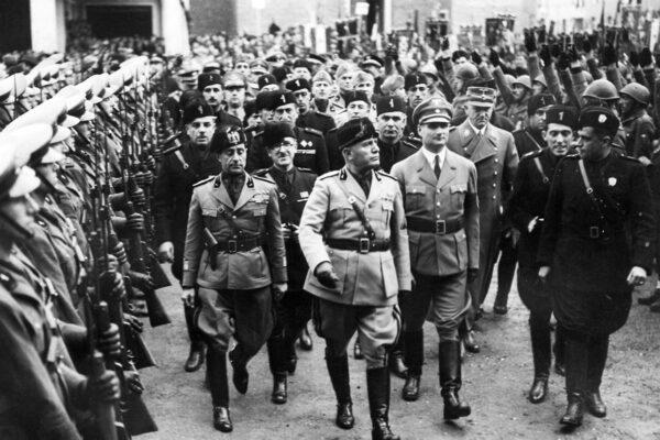 """""""La spia intoccabile"""", come l'Ovra non morì con il fascismo"""