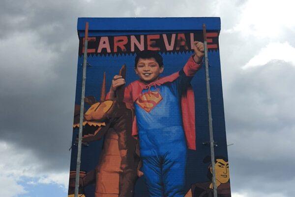Francesco Paolillo è Superman, il murales per il piccolo eroe morto a 14 anni per salvare un amico