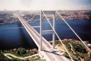Il Sud soffoca, basta rinvii: facciamo il Ponte sullo Stretto