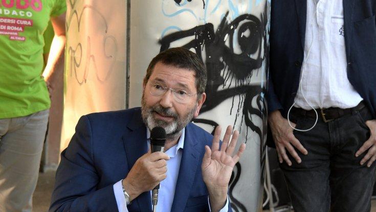 Anvedi (ri)ecco Marino: l'ex Sindaco torna a Roma e attacca il Pd e le Primarie