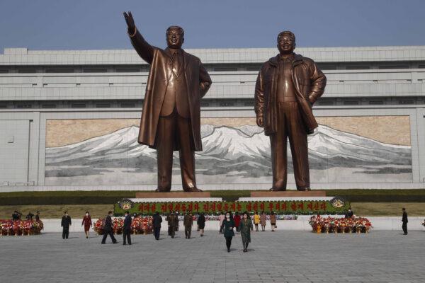 Corea del Nord, Kim vara la legge che vieta film stranieri e jeans