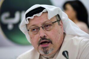 """Chi era Jamal Khashoggi, il giornalista saudita ucciso e smembrato a Istanbul protagonista di """"The Dissident"""""""