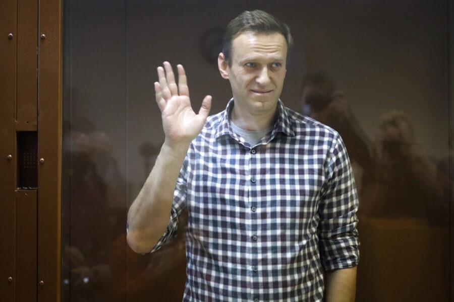 """I gruppi politici di Navalny """"estremisti"""" e illegali: Mosca fa fuori l'oppositore in vista delle elezioni"""