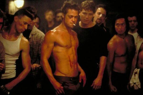 Un frame del film Fight club con Brad Pitt