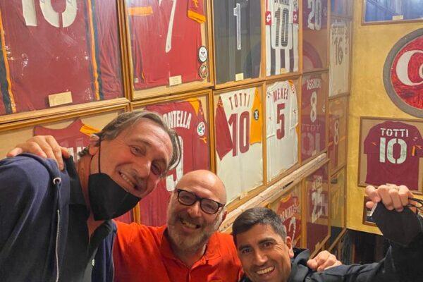David Pizarro con Francesco Testa e Alessandro Angeloni del Messaggero