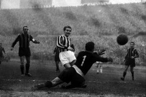 """Chi era Giampiero Boniperti, simbolo della Juventus: """"Vincere non è importante, è l'unica cosa che conta"""""""