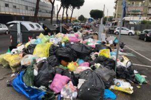 """Elezioni Roma, Michetti attacca Comune e Regione: """"Il caos rifiuti è colpa loro"""""""